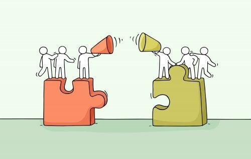 Eigengruppe und Fremdgruppe als zwei Puzzlesteine