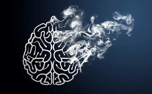 Gehirn löst sich in Rauch auf