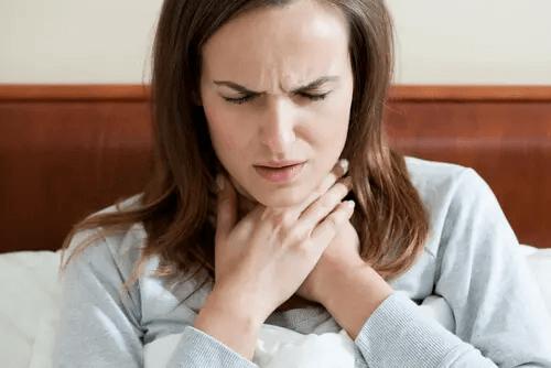 Aphonie mit konversionshysterischer Symptombildung