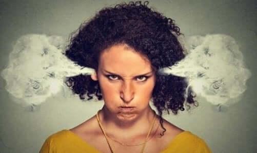 Chaos und Narzissten - oft projizieren Narzissten ihre Wut auf ihr Umfeld.