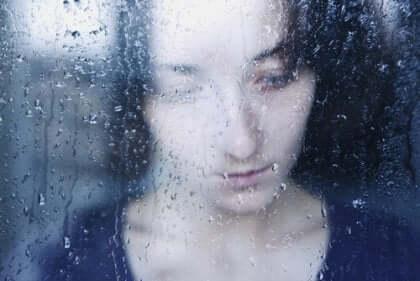 Narzisst - traurige Frau