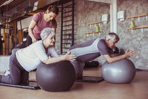 körperliche Aktivität - Gummiball