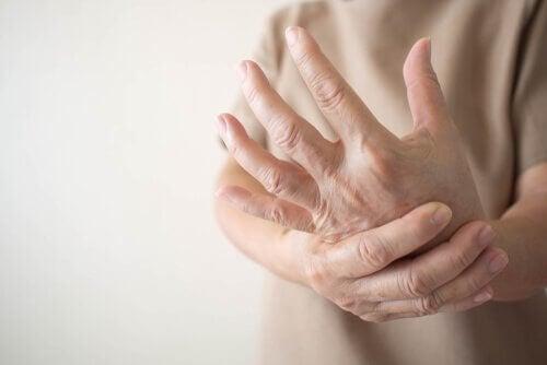 Periphere Neuropathie - Symptome, Ursachen und Behandlung