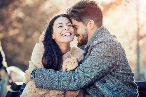 Ob ähnlich oder ergänzend, eine Beziehung durchläuft stets Veränderungen