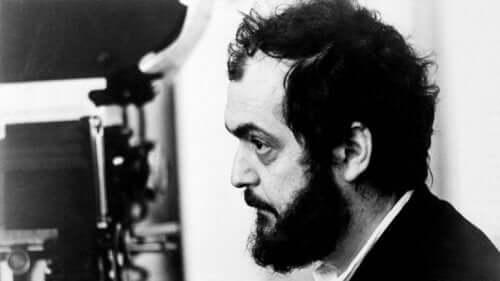 Stanley Kubrick bei der Arbeit.