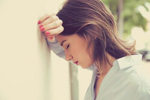 dysfunktionale Gedanken - besorgte Frau
