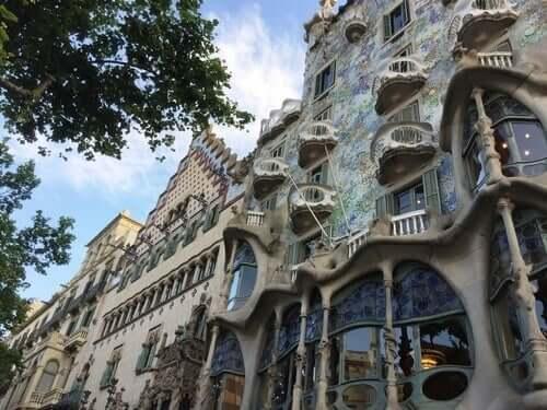 Antoni Gaudí wies oft darauf hin, dass die Visionen dieser großartigen Objekte in seiner Kindheit entstanden
