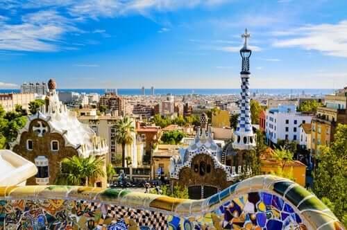 Antoni Gaudí schaffte das Meisterwerk, das die Basílica de la Sagrada Família in Barcelona ist