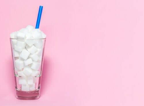 Eine Studie ergab, dass Junk Food schädliche Auswirkungen auf das Gehirn hat.