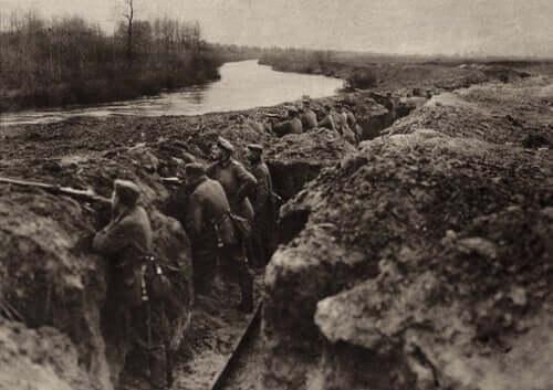 Aufstand - Männer im Schützengraben
