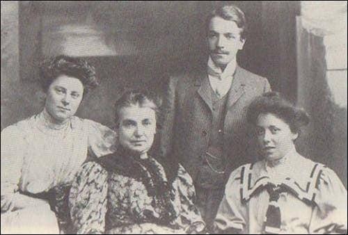 Karen Horney mit Mutter und Geschwistern.