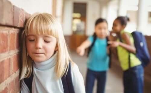 Ein Kind, das gemobbt wurde, muss sich von seiner Familie uneingeschränkt unterstützt fühlen