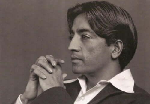 Jiddu Krishnamurti - Foto als junger Mann