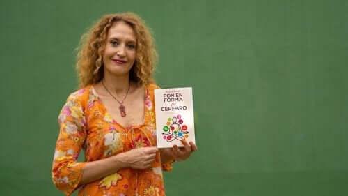 Darm - Raquel Marin mit ihrem neuesten Buch