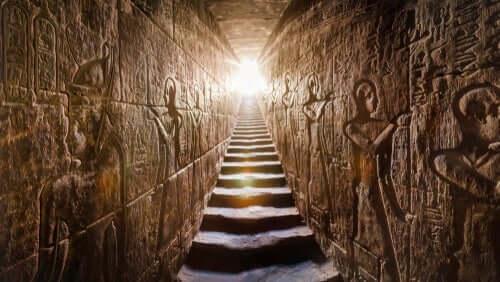im alten Ägypten - Pyramide von innen