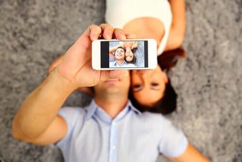 Zusammenfassend ist klar, dass das meiste, was wir in sozialen Netzwerken sehen, nicht die Realität widerspiegelt.
