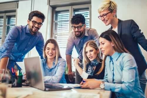 Gruppenzusammenhalt: Das Verhältnis von Zusammenhalt und Leistung