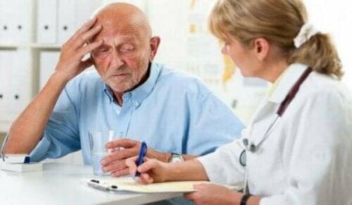 Die Erkennung von Demenz bei Hausarztbesuchen