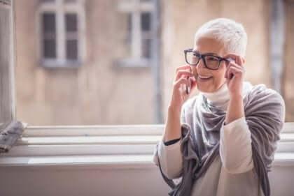 Die Forschung zeigte, dass die Verzweiflung mit dem Alter verschwindet, während positive Emotionen an Stärke gewinnen.