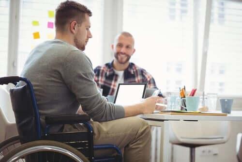 Bei der Einbeziehung von Menschen mi Behinderungen geht es um das Recht der Menschen auf Selbstbestimmung und Teilnahme.