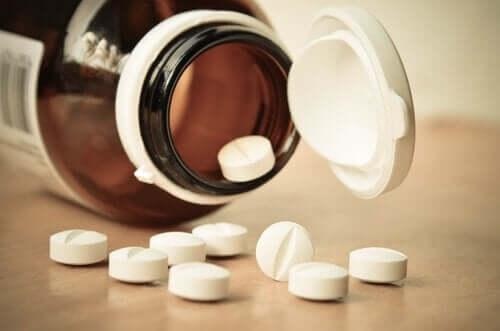 Unter dem Markennamen Rivotril wird es hauptsächlich als Antiepileptikum für Kinder, Jugendliche und Erwachsene eingesetzt.