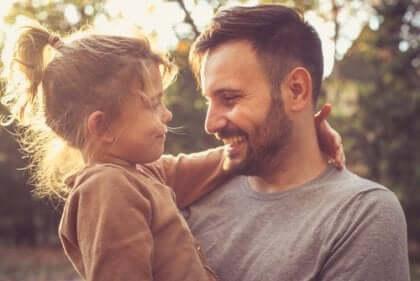 Höre genau zu, was deine Kinder zu sagen haben und wie sie sich fühlen.