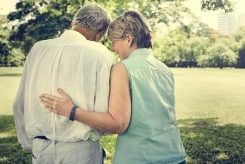 Liebe nach 50 - älteres Paar