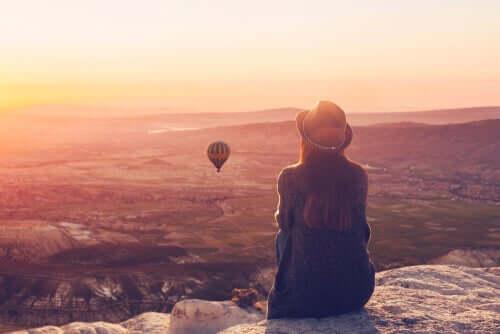 schlecht fühlst - Frau beobachtet Ballon