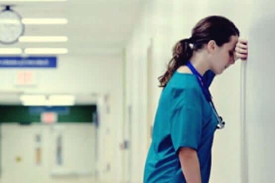 Gesundheitsfachkräfte benötigen emotionale Unterstützung