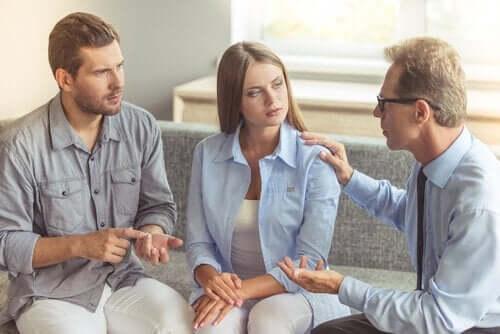 Wir können uns an Therapeuten wenden, um uns zu ändern