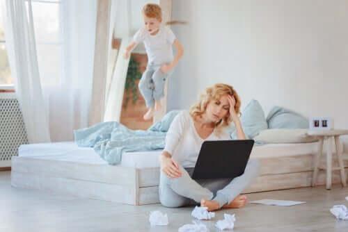 Telearbeit mit Kindern: Wie das funktionieren kann!
