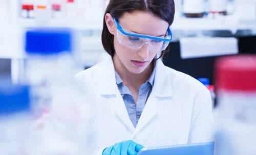Frauen und Mädchen in der Wissenschaft
