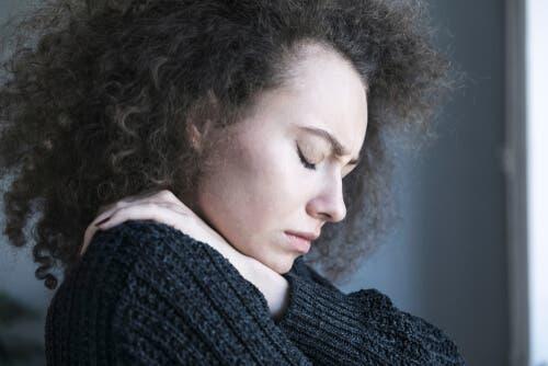 Grübeln, eindringliche Gedanken und Sorgen sind Elemente, die im Zusammenhang mit einer psychischen Störung tendenziell verstärkt werden