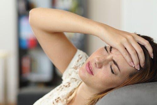 Eine Aura tritt normalerweise auf, bevor die Person das Bewusstsein verliert