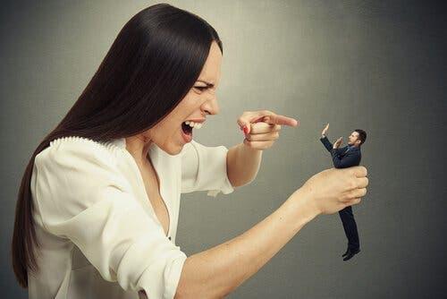Narzisstische Menschen: Wenn sie denken, sie wissen mehr als Experten