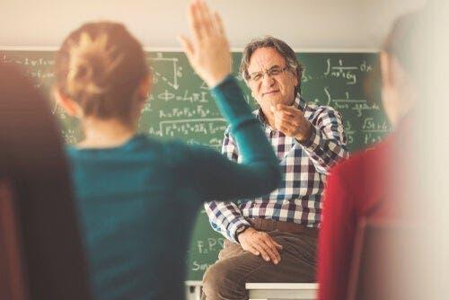 Ein guter Lehrer kümmert sich um jeden einzelnen seiner Schüler