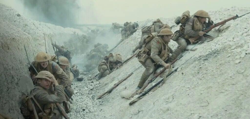"""In den Schützengräben des 1. Weltkriegs im Film """"1917""""."""