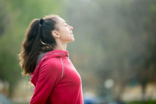 bewusste Atmung - Frau