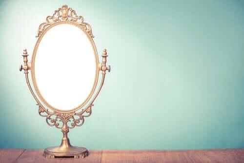 Der verlorene Seemann - Spiegel