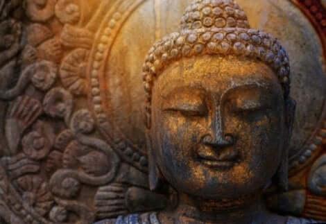 Buddhisten lehren, dass vier Bereiche überlegen sind, während die anderen sechs minderwertig sind