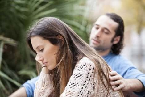Eifersucht ist ein Problem, das eine Beziehung beeinträchtigt