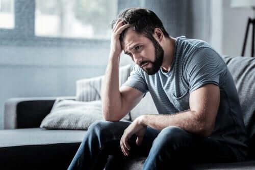 Bei einem Schlafentzug kann es zu Problemen mit dem richtigen Stressmanagement kommen
