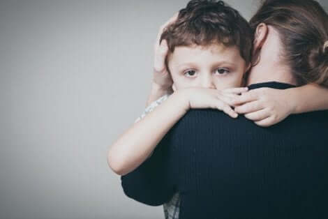 Der sichere Bindungsstil in der Kindheit schafft vertrauensvolle und positive Beziehungen