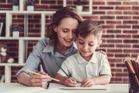 Eltern können dem Kind beim Rechnen helfen, aber die Kleinen müssen letztendlich das Problem lösen