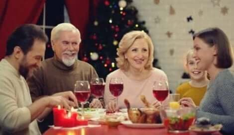 Sei durchsetzungsstark, präsent, selbstbewusst und direkt bei Familientreffen