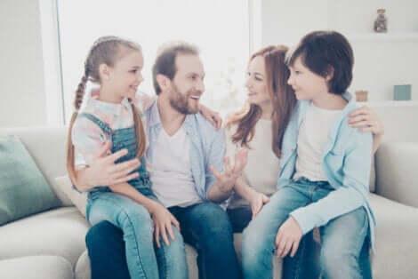 Familienliebe - Eltern mit Kindern