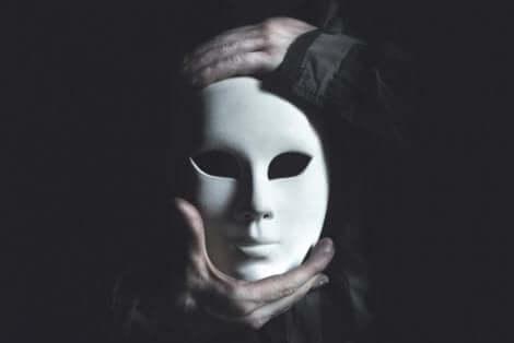Masken - weiße Porzellanmaske