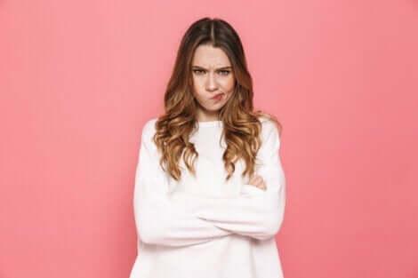 wütend werden - unzufriedene Frau