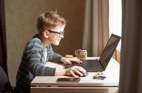 Die Auswirkungen der Digitalisierung auf das Gehirn von Kindern sind wichtig