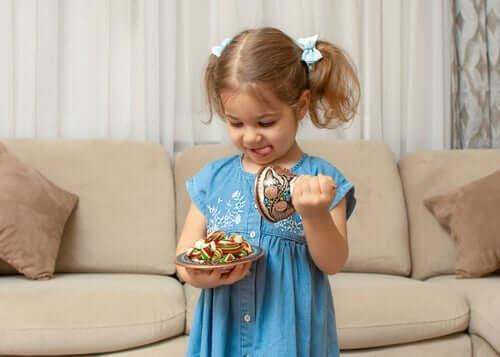 Mit der Fruit Snack Challenge die Selbstkontrolle bei Kindern testen